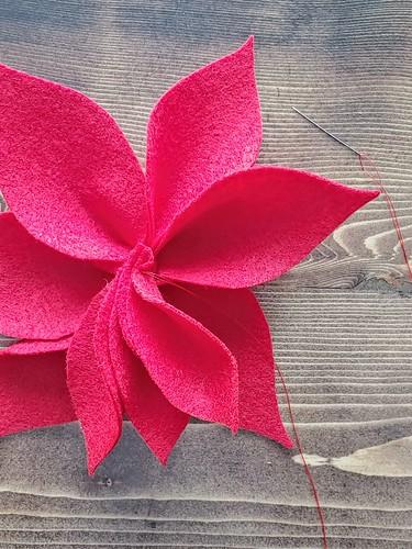 8-0. Repeat steps 3-5 for three medium petals