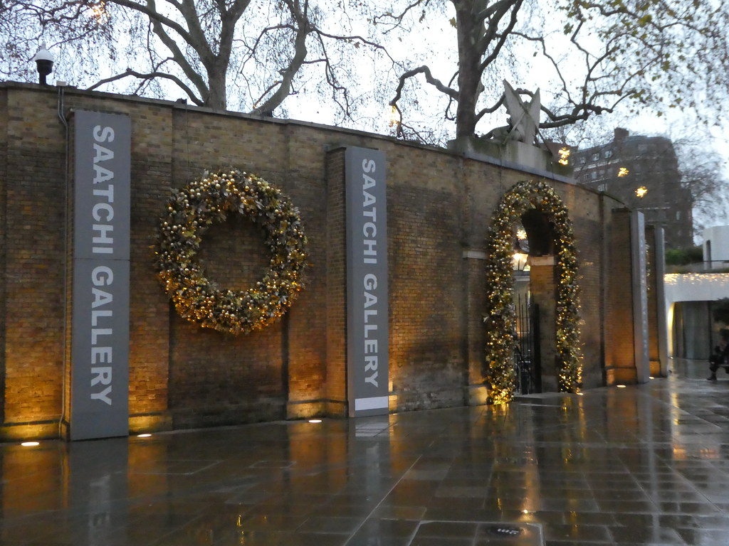 Entrance to the Saatchi Gallery, London