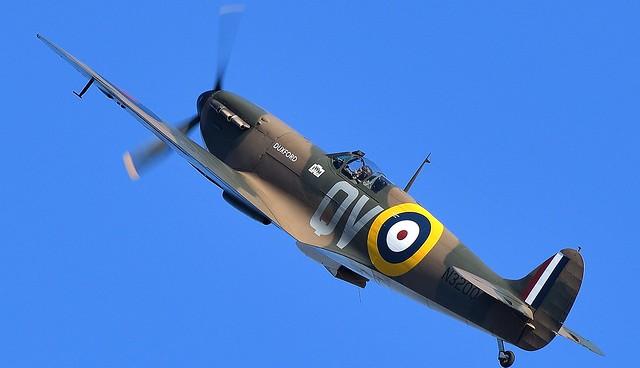 RAF Supermarine Spitfire Mk1 N3200 G-CFGJ QV RAF 19 Squadron