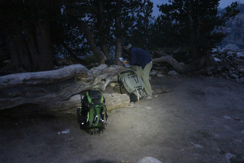 We were all packed and ready to go by 6am, leaving the Kearsarge Lakes for the Rae Lakes