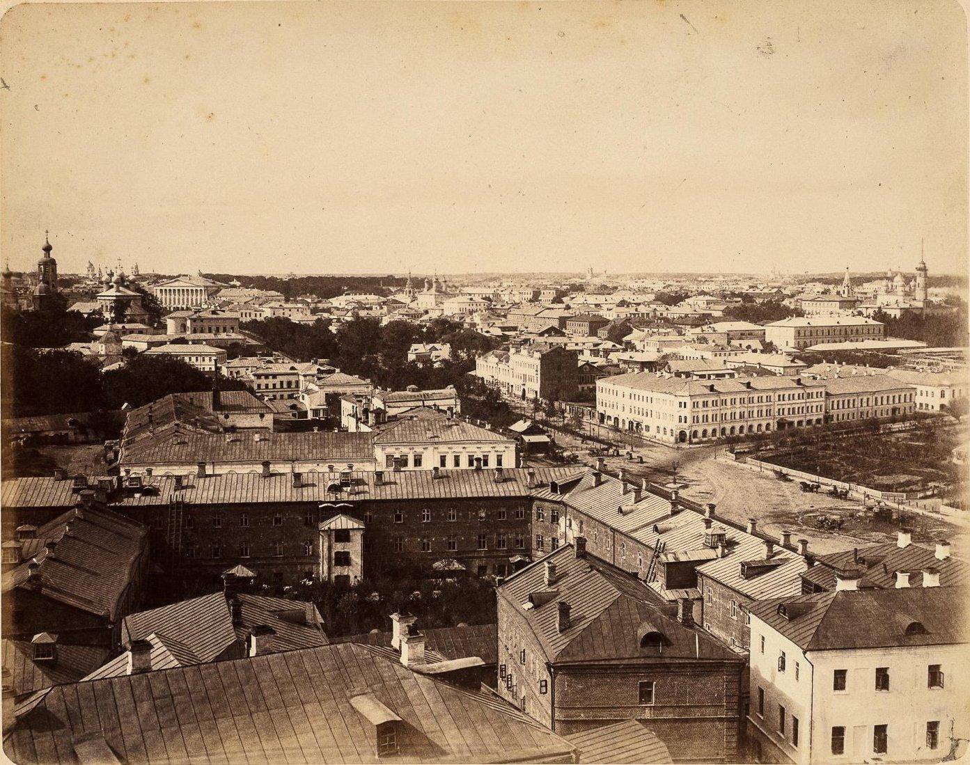 Вид с Рождественского монастыря на Петровский бульвар