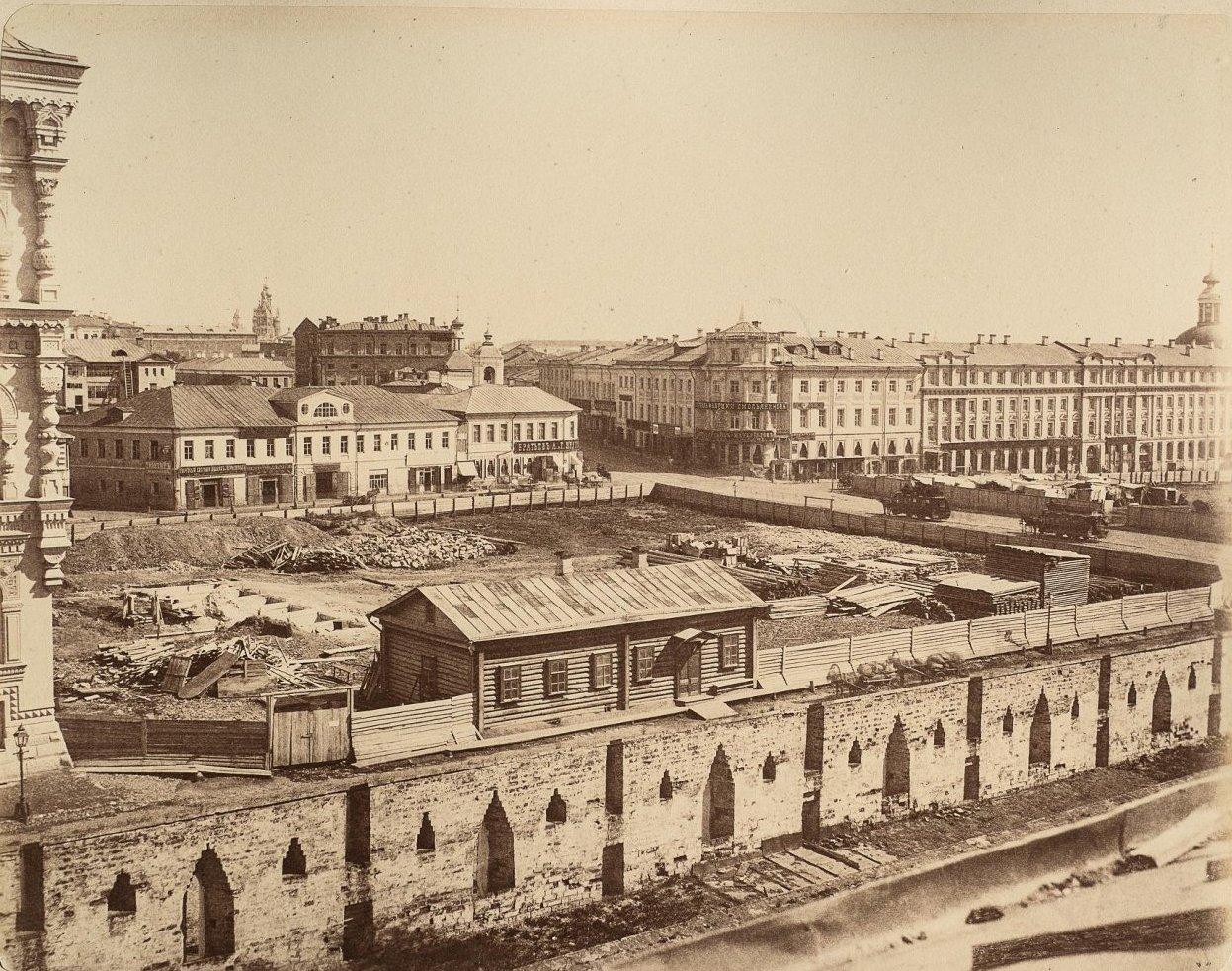 Вид на место стройки южного крыла Политехнического музея