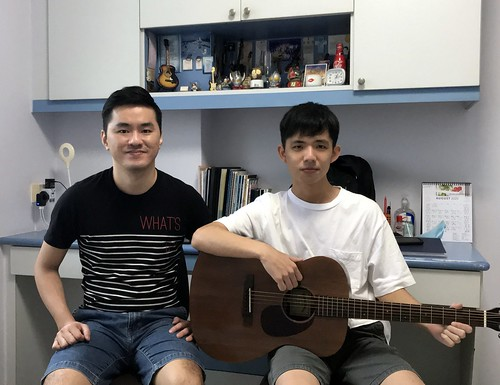 Guitar lessons Singapore Leo