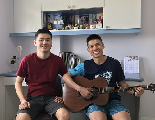 Beginner guitar lessons Singapore Desmond