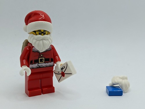 LEGO City Advent 2020 day 24