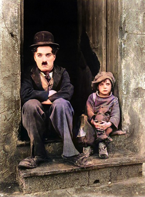 Charles Chaplin and Jackie Coogan year 1921 in the movie The Kid_colorSAI_result
