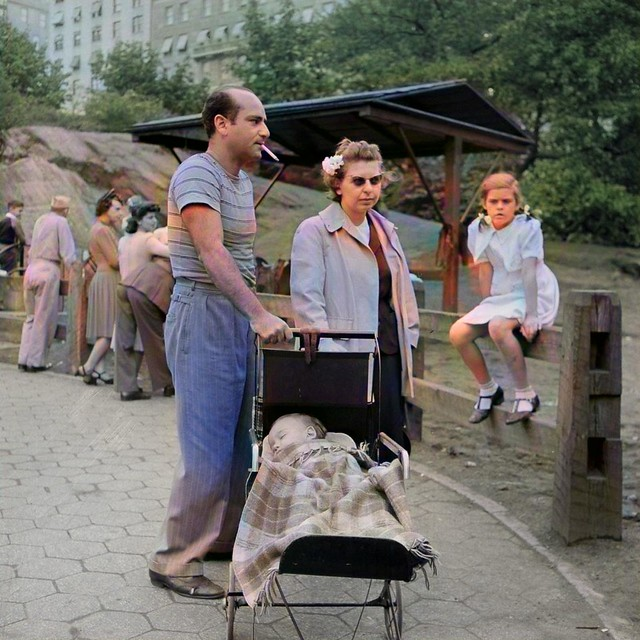 a late summer Sunday in Central Park, 1942 photographer Marjory Collins 20_colorSAI_result