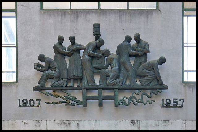 hengelo fabriekscomplex hazemeyer sculptuur 01 1957 kwk (tuindorpstr)
