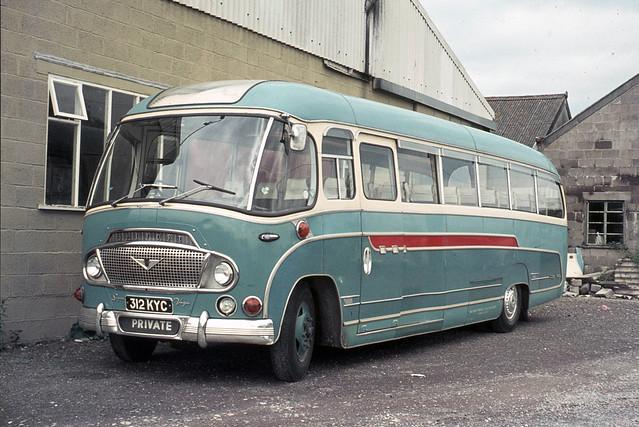 Wake's Services . Wincanton , Somerset . 312KYC . Wincanton garage , Somerset . 09th-September-1972.
