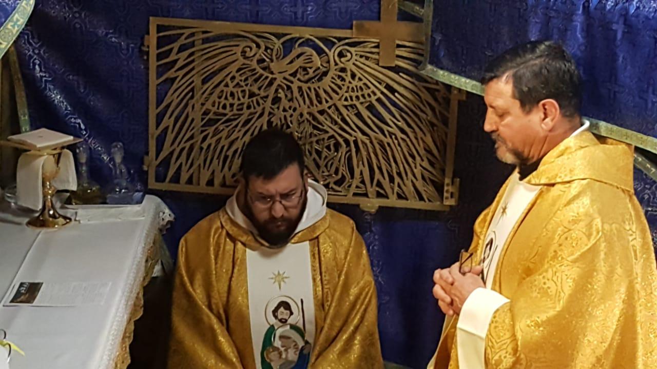 Santa Misa en la gruta de Belén