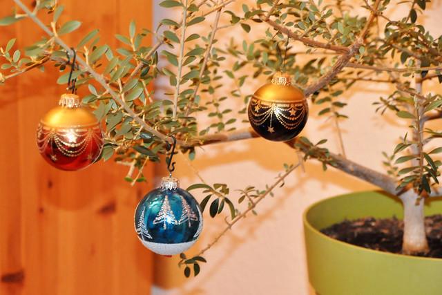 24. Dezember 2020 ... Olivenbäumchen mit Weihnachtsschmuck ... Brigitte Stolle