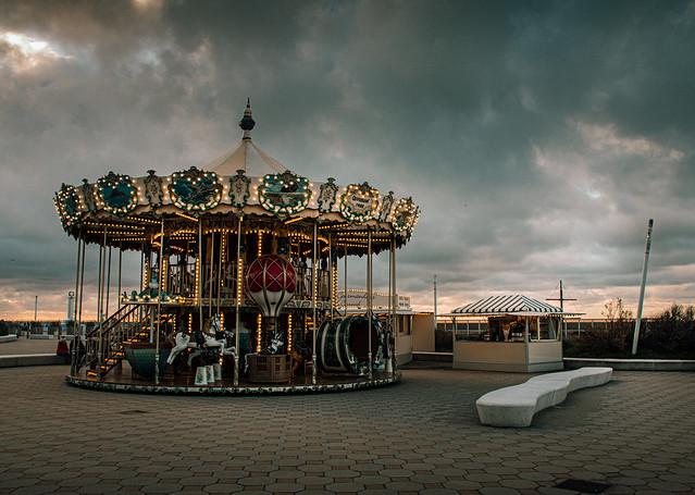 Carousel 1900 at the beach
