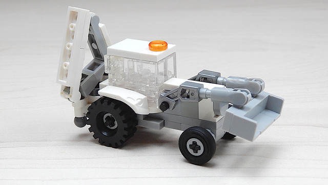 How to Build a Small Lego Backhoe Loader (MOC - 4K)