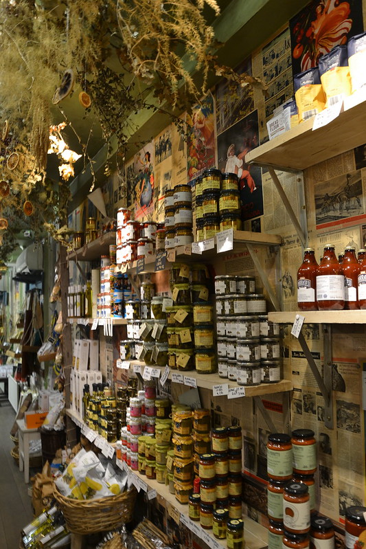 Gigi Catchy Italian Store