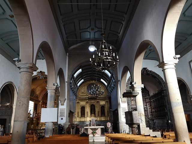 altar mayor y nave central interior Sé Catedral de Faro Portugal 01