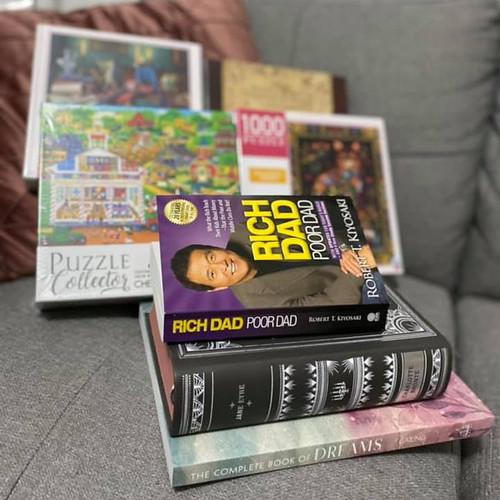 livros e quebra-cabeças