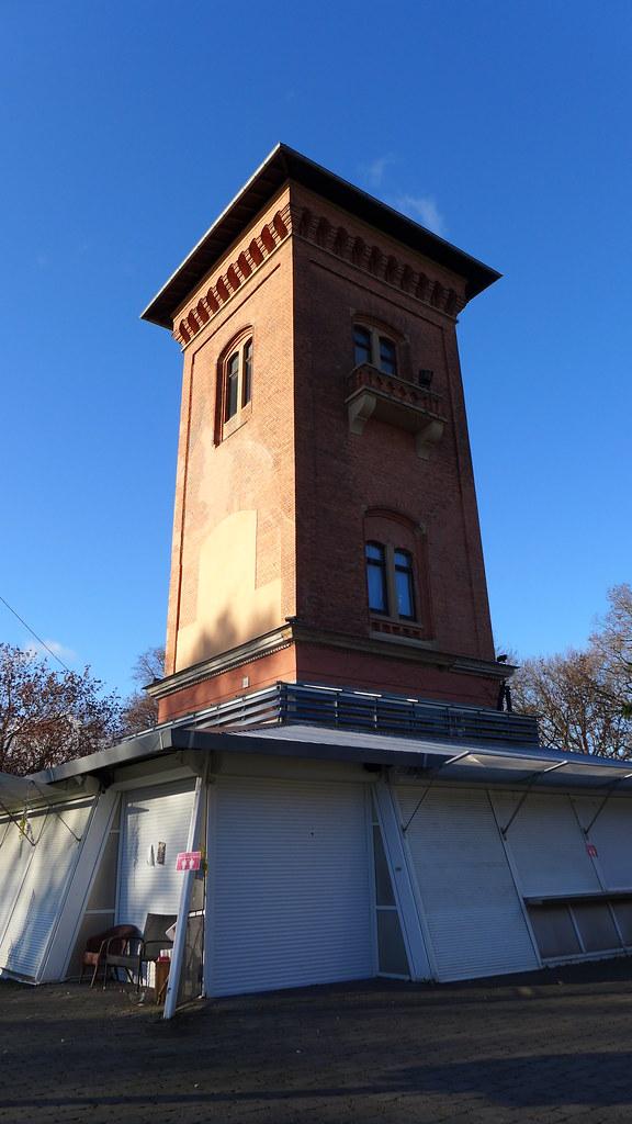 Wiesbaden Der Turm Vom Biergarten Beim Turm Bis Zur Geho Flickr