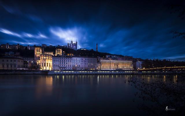 Quel plaisir de retrouver la famille et cette belle ville de Lyon. Bonnes fêtes à tous.