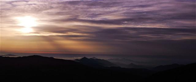 Sortida del sol desde el Castell del Moros (Tregurà de Dalt)