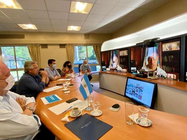 2020-12-26 PRENSA: Uñac participó de la reunión con el presidente Fernández por la campaña de vacunación contra el COVID-19