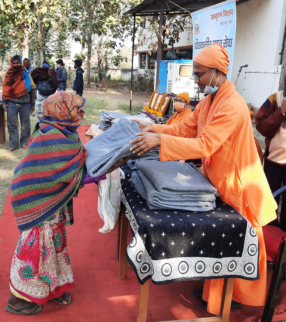 Blanket Distribution 3rd Day (33)