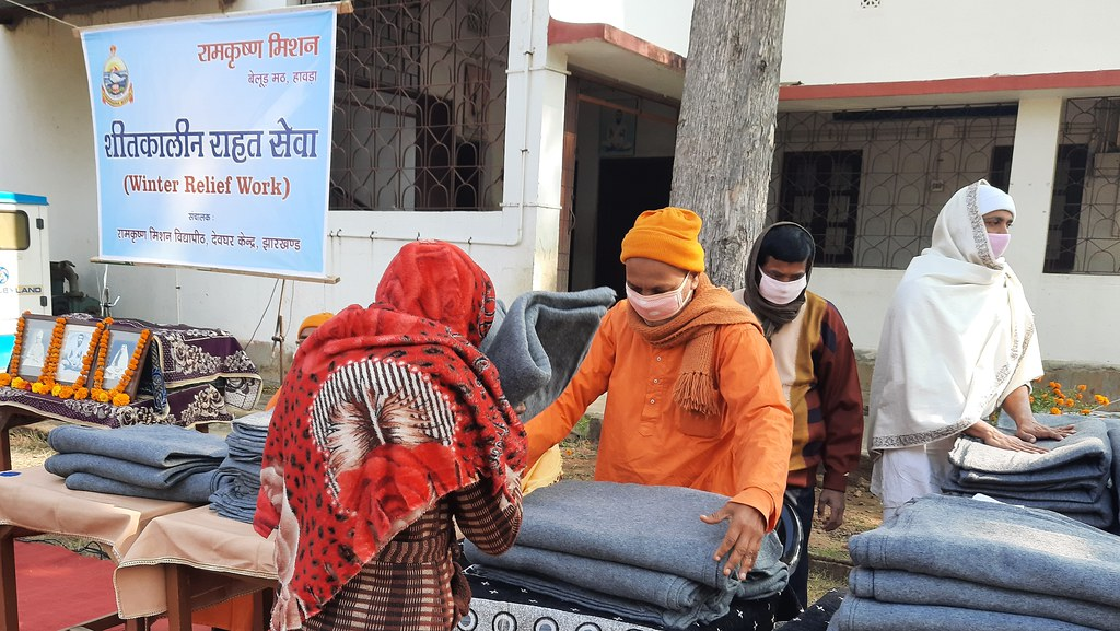 Blanket Distribution 3rd Day (30)