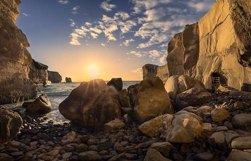 blackhead cliff cliffs coastallandscape coastline dunedin grandcoastalphotography landscapephotography morning natureandlandscapephotograph newzealand otago seascape southisland sunrise tunnelbeach nz