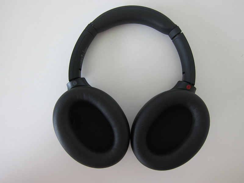 Sony WH-1000XM4 - Back
