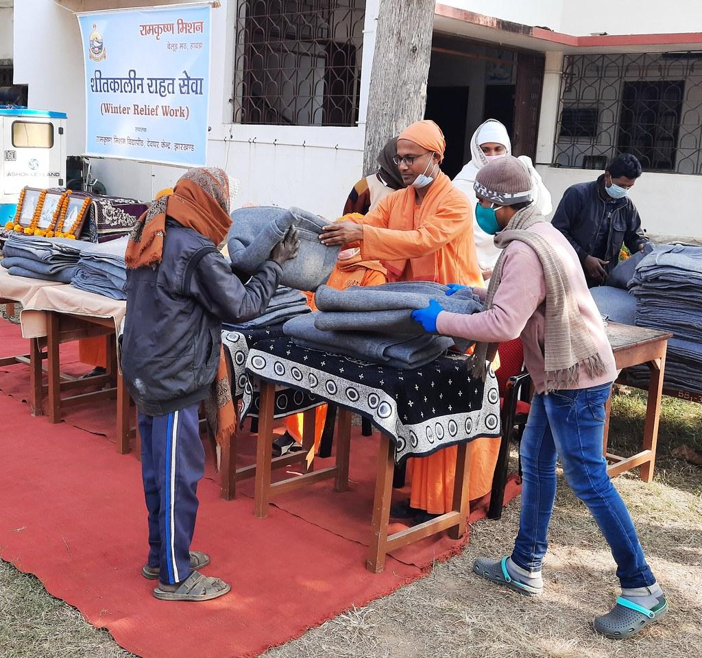 Blanket Distribution 3rd Day (34)