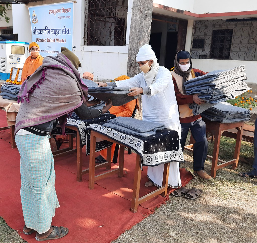 Blanket Distribution 3rd Day (40)