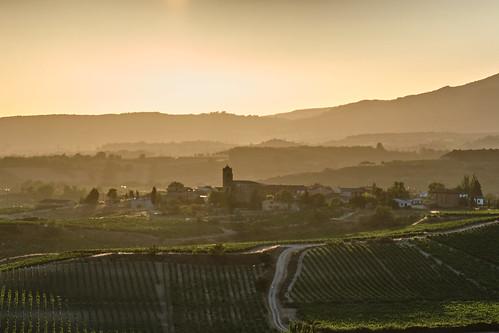 summer roadtrip spain laguardia rioja sunset euskadi xt3 paganos vineyards riojaalavesa longlight