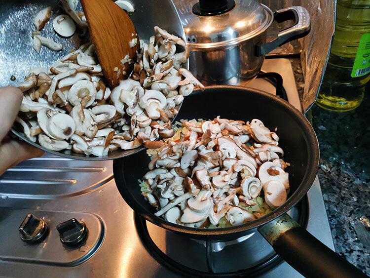 add mushrooms into the pan