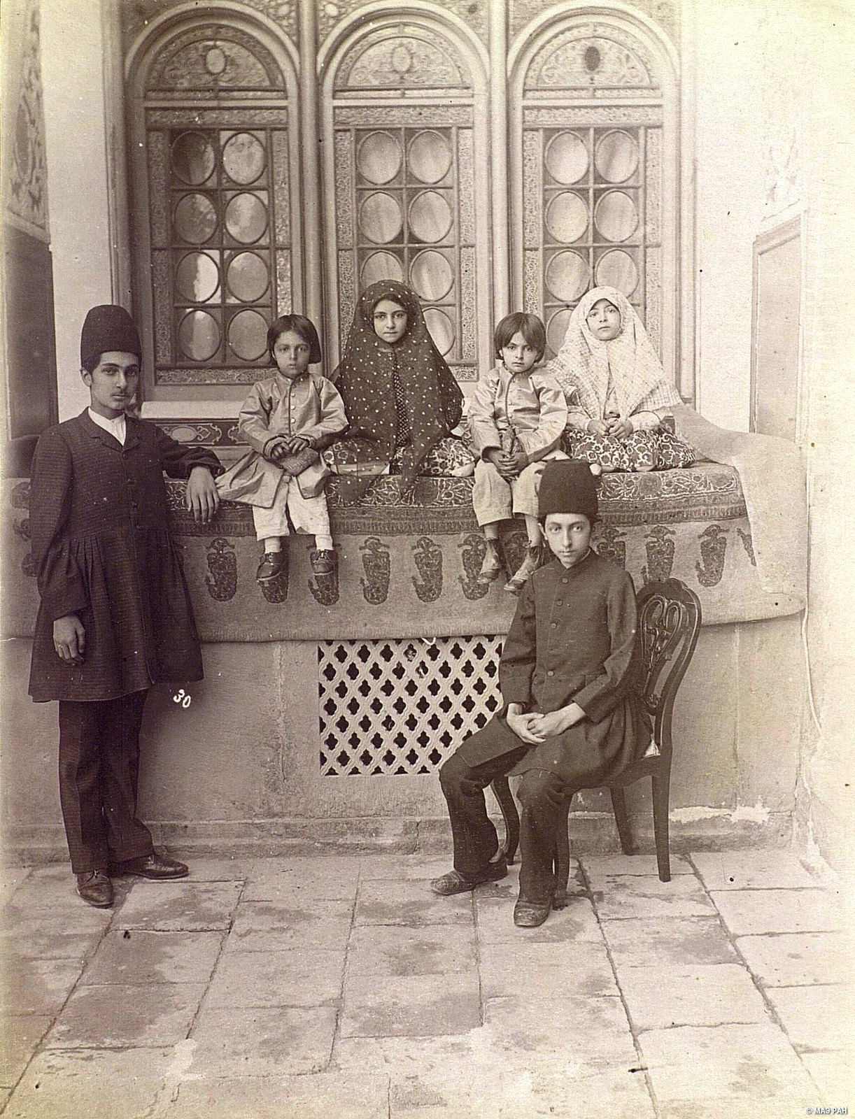 Дети каваша (коменданта) Шираза