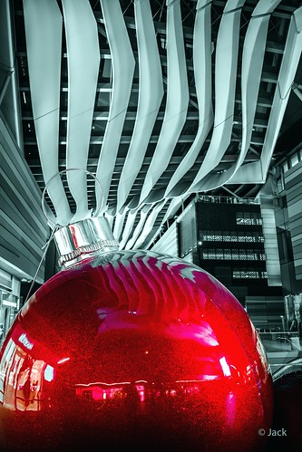 Miami mood - red ball