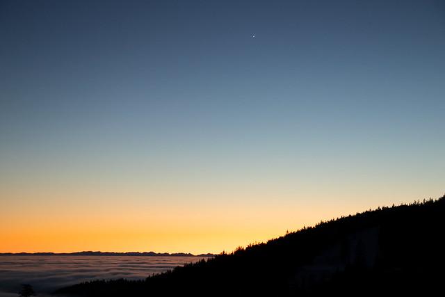 Jupiter és Szaturnusz naplemente után