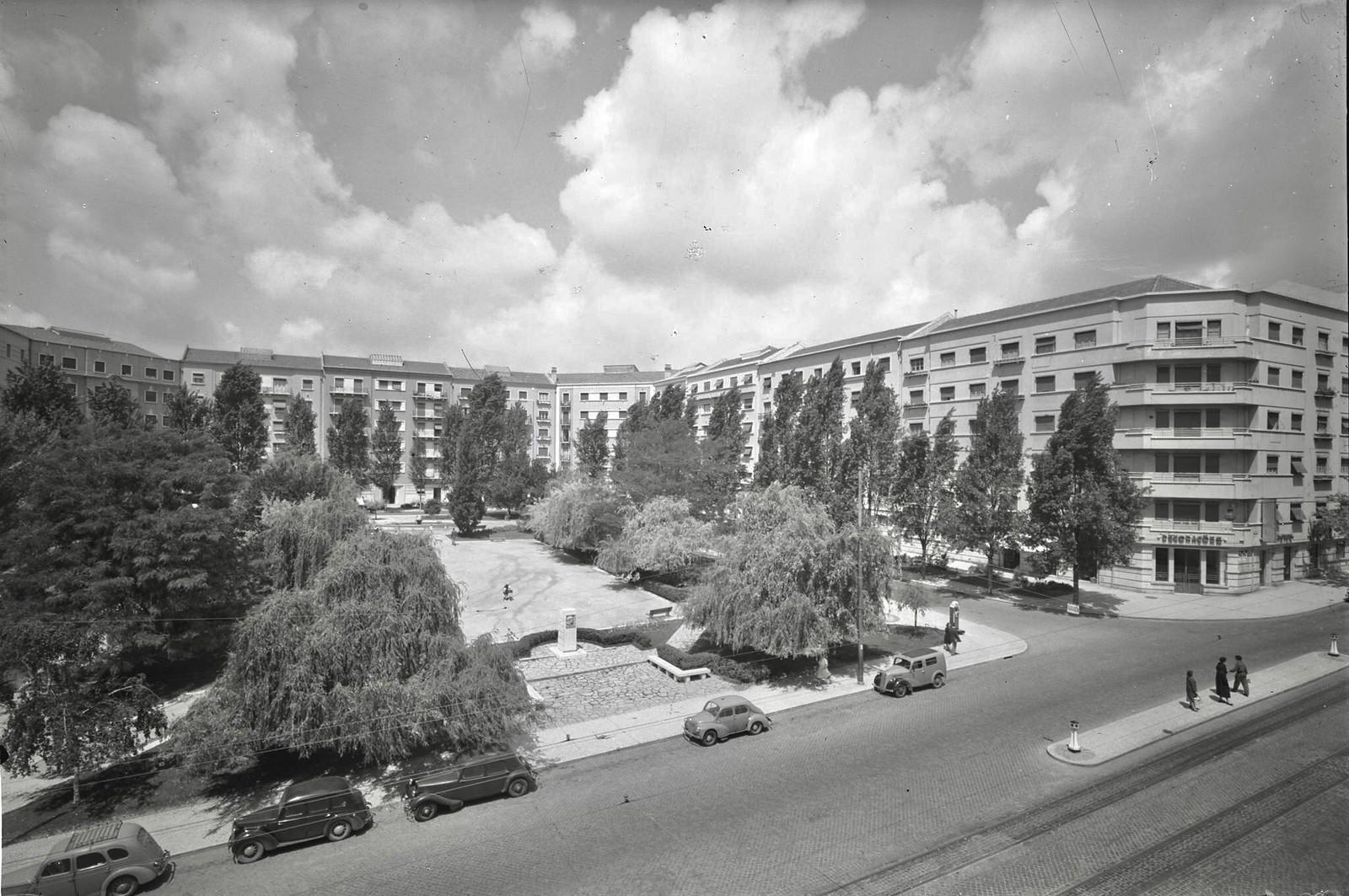 Praça João do Rio, Lisboa (A. Passaporte)