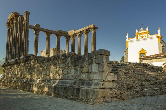 En un lugar de Flickr. Templo romano de Évora.