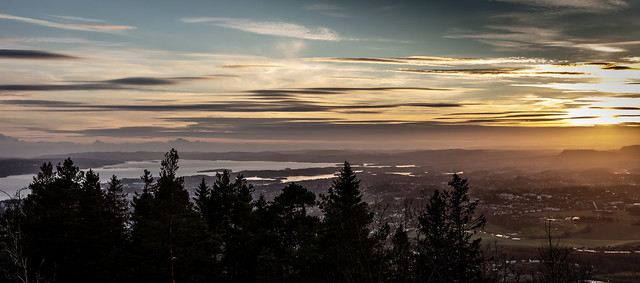 Oslo fjord at sunset II