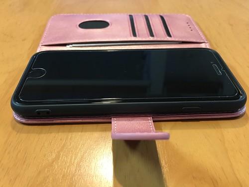 iPhone6sからiPhoneSE(第2世代)に機種変更 ケース装着3
