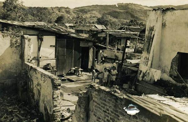 AMB-04 Ambon-stad nov 1945