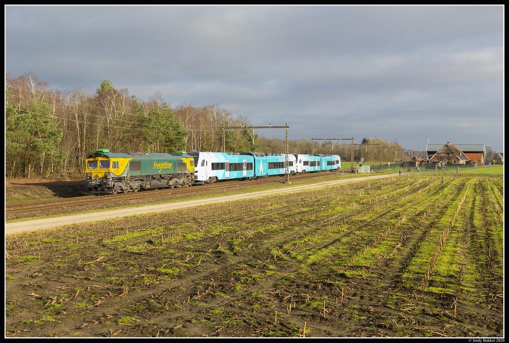 Freightliner 513-02, Holten