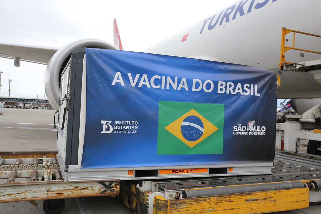 Chegada de Vacinas no Aeroporto de Guarulhos