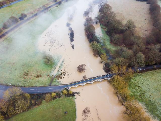 Flooding by Teston Bridge