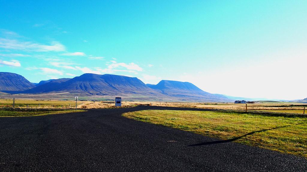 Islanti autolla
