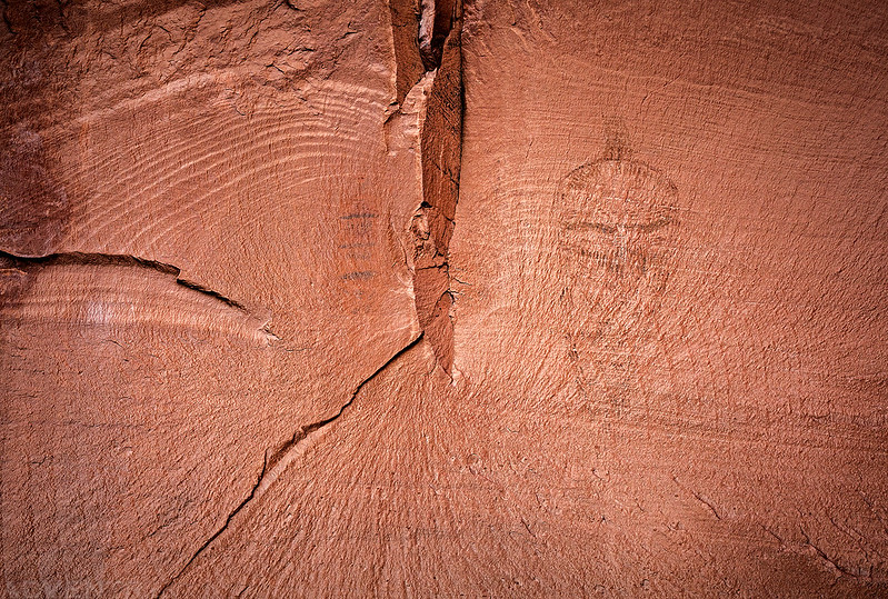 Faint Barrier Canyon Style Pictographs