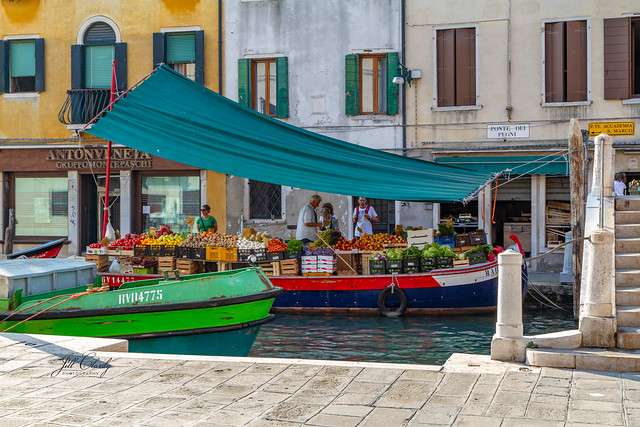 Armchair Traveling - Life on the Canals of Venice