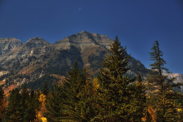 A Low Key Look to the Moon and Central Wasatch Range
