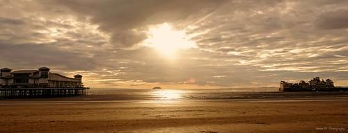 westonsupermare somerset sunset landscape landscapephotography seascape sun sunrays sundown sonyrx10iv sonyrx10m4 summer summertime seaside lowtide beach coast pier atmosphere sunny northsomerset bristolchannel tide summer2020