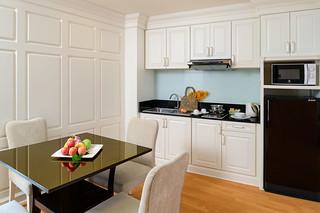 Euro Suite_Kitchen