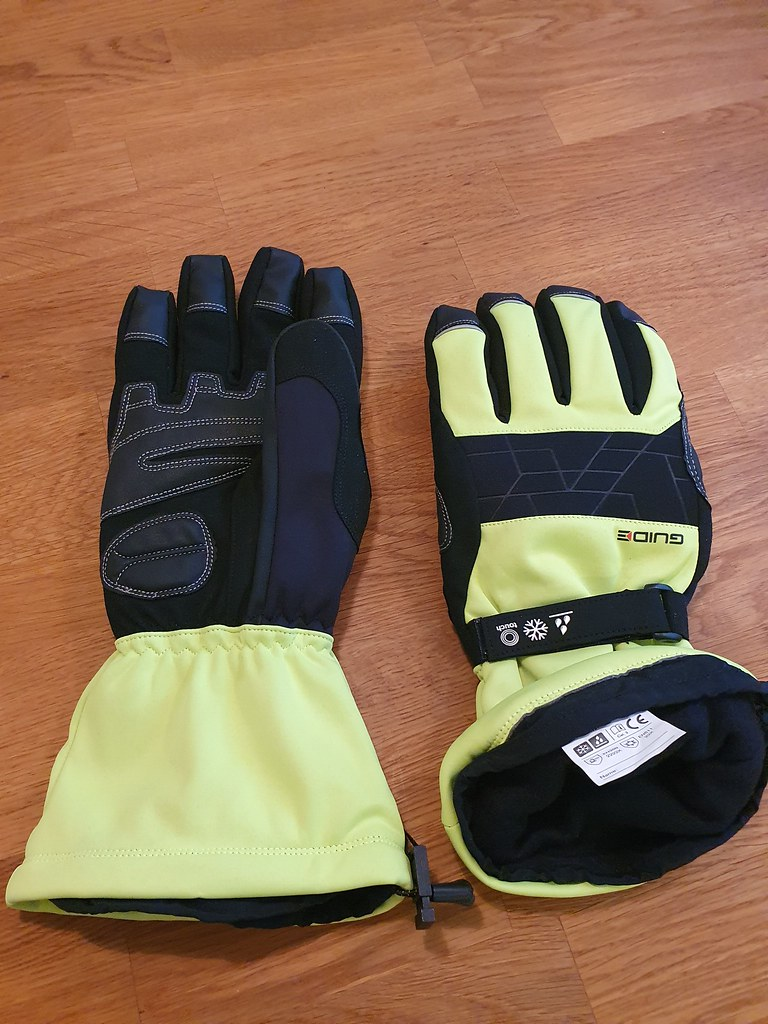 Got new winter gloves for riding with winter tire.